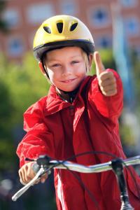 Sicher in den Frühling radeln DVAG gibt Tipps, worauf Eltern achten sollten