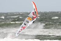 Hamburger Philip Köster gewinnt sensationell Windsurf-Weltcup in Spanien…