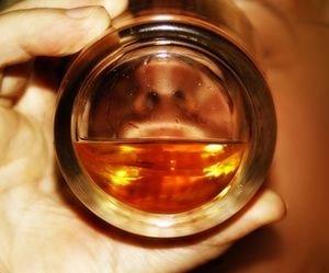 Alkohol: Entgiftung nach Festtagen bringt nichts – Viele verfallen Irrglauben – Leber braucht regelmäßige Ruhepausen