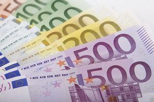 Banker: Provisionsgier regiert über Kundenwohl – Mehrheit der deutschen Verbraucher informiert sich zunehmend selbst