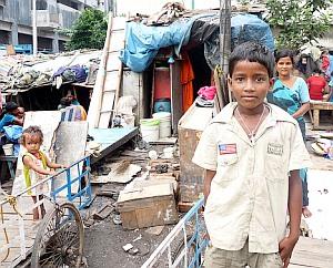 Kinder: Situation in Slums alarmierend – UNICEF-Bericht fordert kindgerechte Gestaltung des Städtebooms