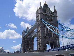 Großbritannien gegen Eurokrise nicht immun – Nachfrage könnte zurückgehen – Urlaube werden billiger