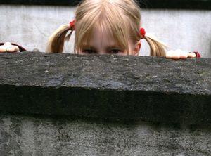 Mädchen: Innenstadtlage für Kinder ungeeignet (Foto: pixelio.de, Hofschlaeger)