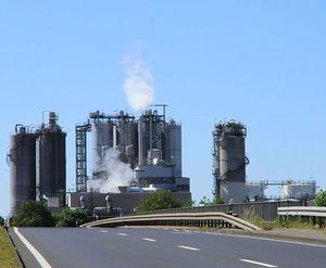 Industrieanlage: bietet immer weniger Jobs in Amerika (Foto: pixelio.de/Rike)