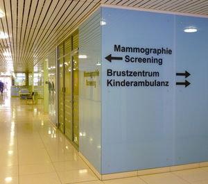 Brustzentrum: regelmäßige Untersuchungen sinnvoll (pixelio.de, Rainer Sturm)