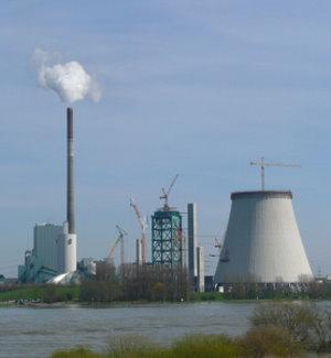 Müllverbrennungsanlage: Kommunen im Vorteil (Foto: pixelio.de, Gabi Schoenemann)