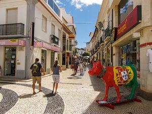 Portugal mit Fortschritten dank steigendem Export – Krisenland freut sich über Wachstum – Soziale Probleme bleiben jedoch
