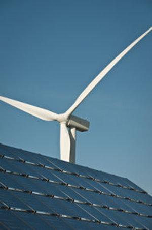 Erneuerbare Energie: Solar überholt erstmals Wind – Neu gebaute Photovoltaik-Anlagen sollen 36,7 Gigawatt Strom einspeisen