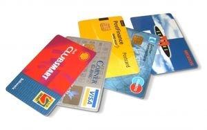 Kreditkarten: Daten werden ohne Skrupel verkauft (Foto: pixelio.de, manwalk)