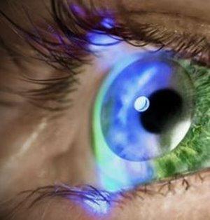 """Superkontaktlinsen verleihen übernatürlichen Blick – """"iOptik""""-Technologie von Innovega soll Smartphones künftig ablösen"""