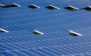 Solarzellen: neue Technologie günstiger als Silizium (Foto: pixelio.de, Sturm)