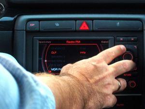 User von mieser Spracherkennung im Auto genervt – 63 Prozent der Befehle werden missinterpretiert oder nicht verstanden