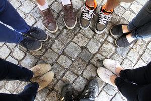 Vernetzte Teenies brauchen weniger Freunde – Jugendliche fühlen sich nicht so einsam wie Vorgänger-Generationen