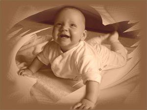 Babys behalten Glücksmomente im Gedächtnis – Singen, Spielen und Kuscheln mit den Eltern fördert Entwicklung