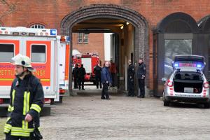 Feuer in Justizvollzugsanstalt – Ministerin Spoorendonk an der Einsatzstelle