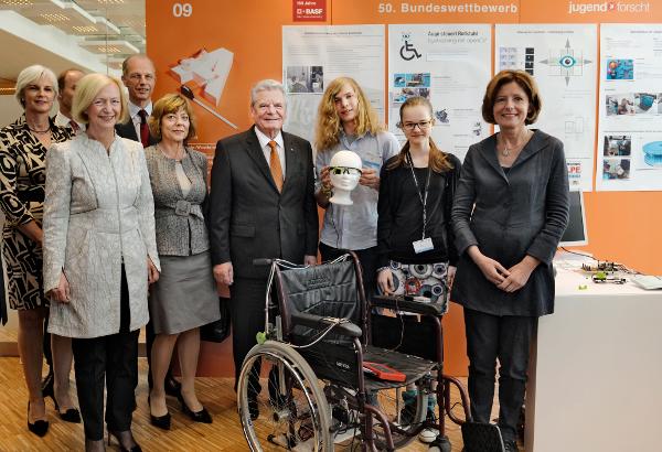 Bundespräsident Gauck kürt Jugend forscht Bundessieger 2015 – Deutschlands beste Nachwuchswissenschaftler in Ludwigshafen ausgezeichnet