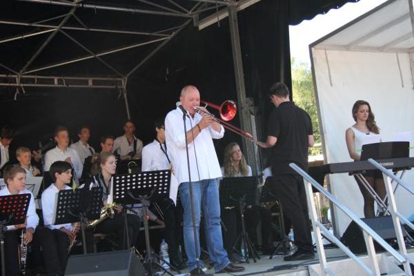 Warm up – Konzert zu Jazz Baltica: Nils Landgren & die Big Band des Ostsee-Gymnasiums jazzen gemeinsam