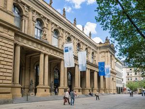Deutsche Börse will sich STOXX einverleiben – Möglicher Deal über 623 Mio. Euro – Gespräche mit SIX laufen