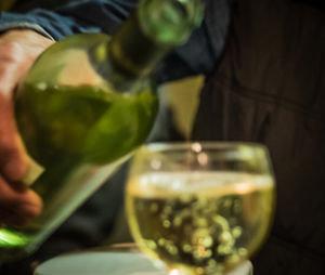 Mäßiger Alkoholkonsum ist doch nicht gesund – Vergleich mäßiger Trinker mit Abstinenzlern in Studien oft problematisch