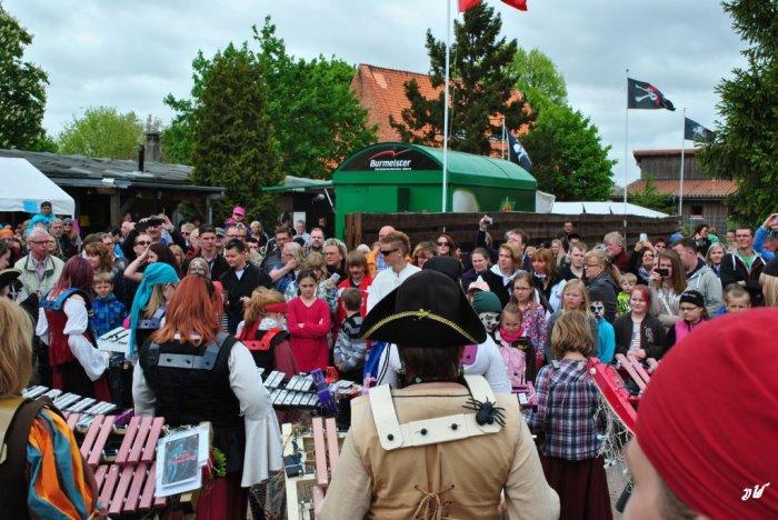 Lübecks Freibeute laden zum Piratenfest 2016 ein.