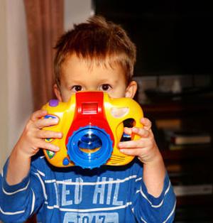 Plastikspielzeug: Viren überleben stundenlang – Forscher warnen vor unterschätztem Infektionsrisiko für Kinder