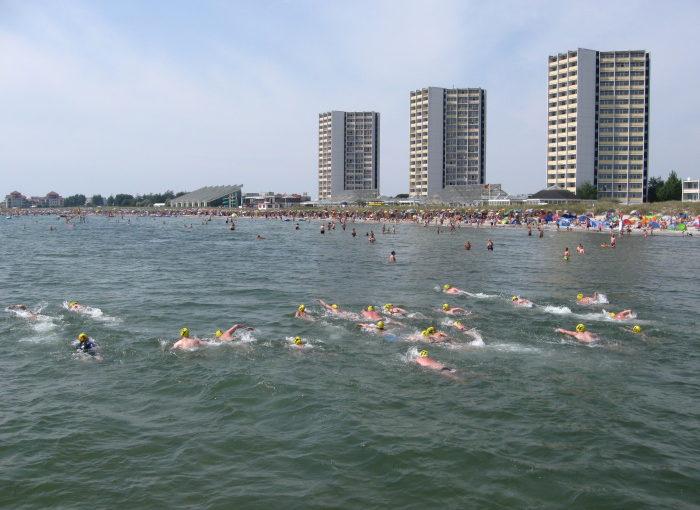 DLRG und Tourismus-Service Fehmarn laden zum Ostseeschwimmen