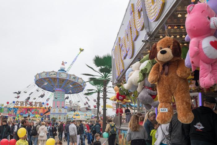 Das Landprogramm der 27. Hanse Sail Rostock – Volksfest lockt mit Stars der Musikszene und historischen Erlebnisbereichen