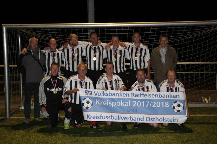 Fußball in Ostholstein: Ü-40 – SG Insel Fehmarn gewinnt Kreispokal